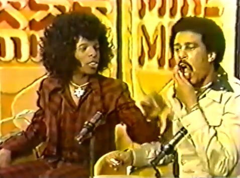 Sly Stone meets Mike Douglas: CAGE MATCH