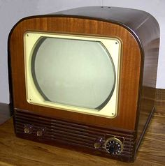 old tv set 1040s